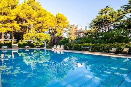 Tavernetta in Villa Carenza - Monopoli