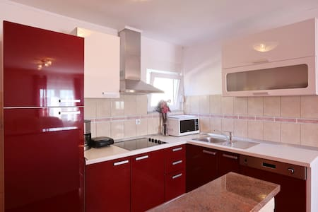 Apartment Luka***20m from beach - Starigrad - Apartmen