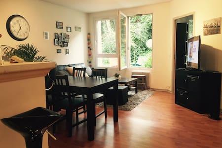 Appartement spacieux avec terrasse - Bagnolet
