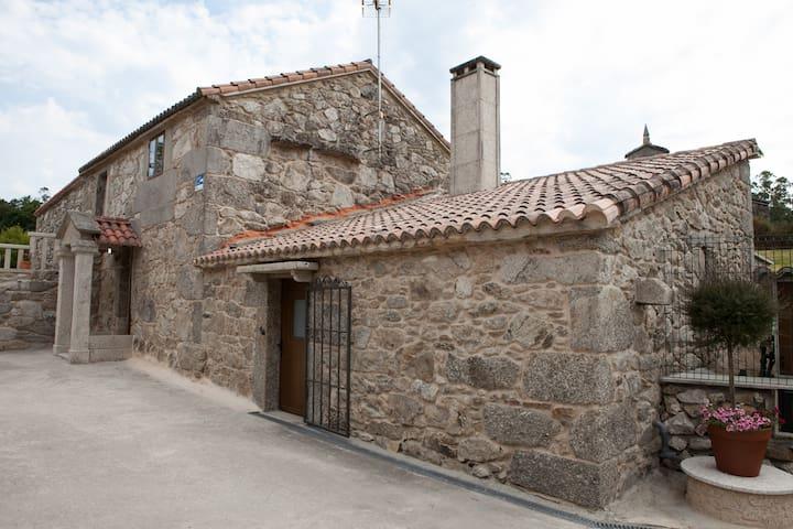 Casa do Vinculeiro: O Sangriñal - A Baña - Σπίτι