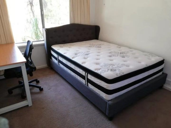Lovely cozy Room E in quiet suburb. GREAT location