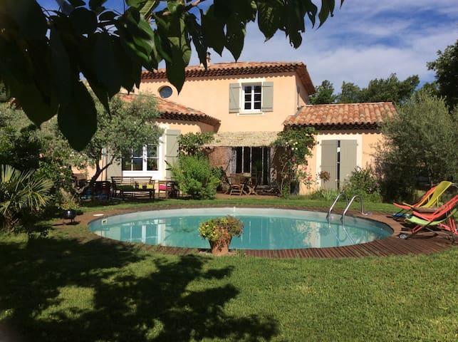 Belle villa 5/6 p dans le Luberon - Pierrevert - Rumah