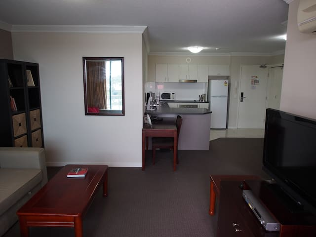 Comfy one bedroom apartment - Springwood - Apartamento