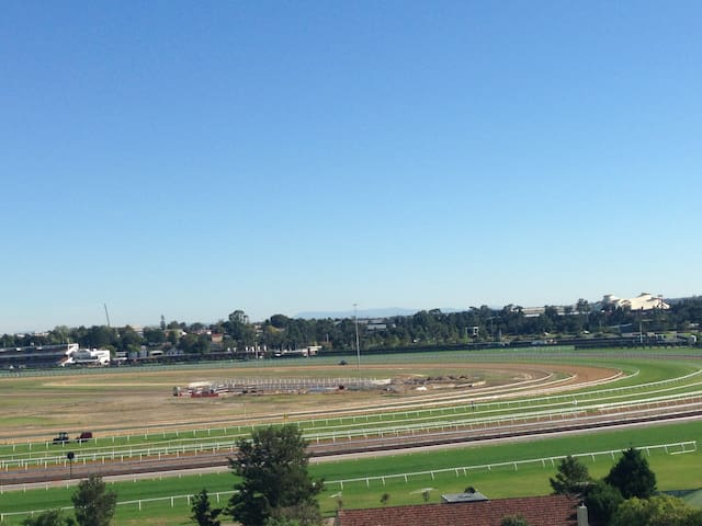 A view to get your heart racing - Kensington - Byt