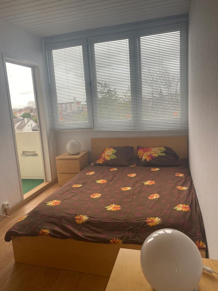 Chambre privée cosy chez l'habitant avec balcon