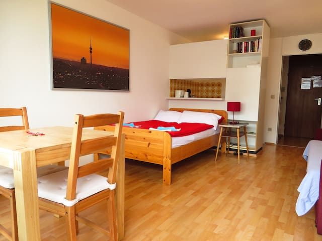 Near City Center and Fair  Apt. 2 - Munich - Apartment