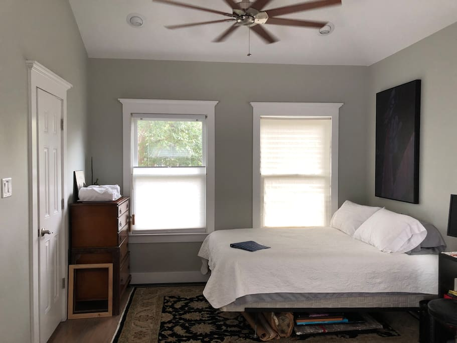 queen size bed and dresser