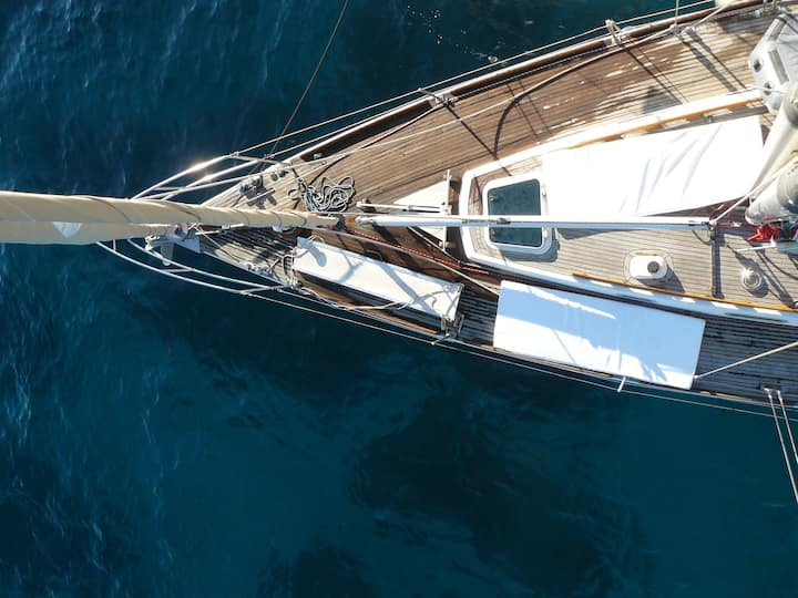 Ibiza & Formentera on a luxury Classic sail boat !