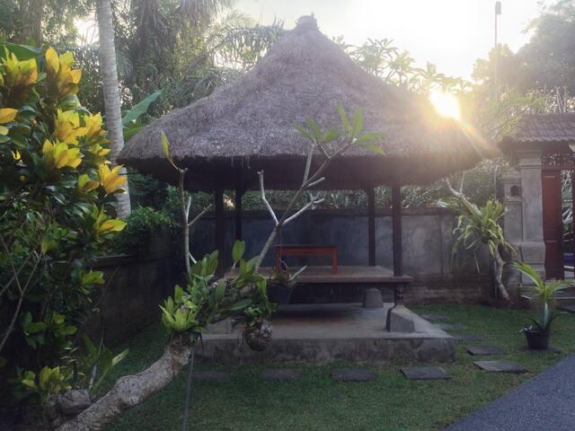 Coco Alami Guest House Pool View - Ubud - Ev