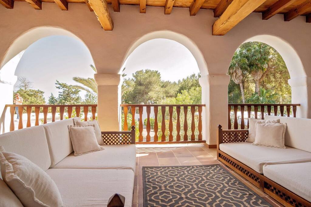40m2 fully furnished terrace