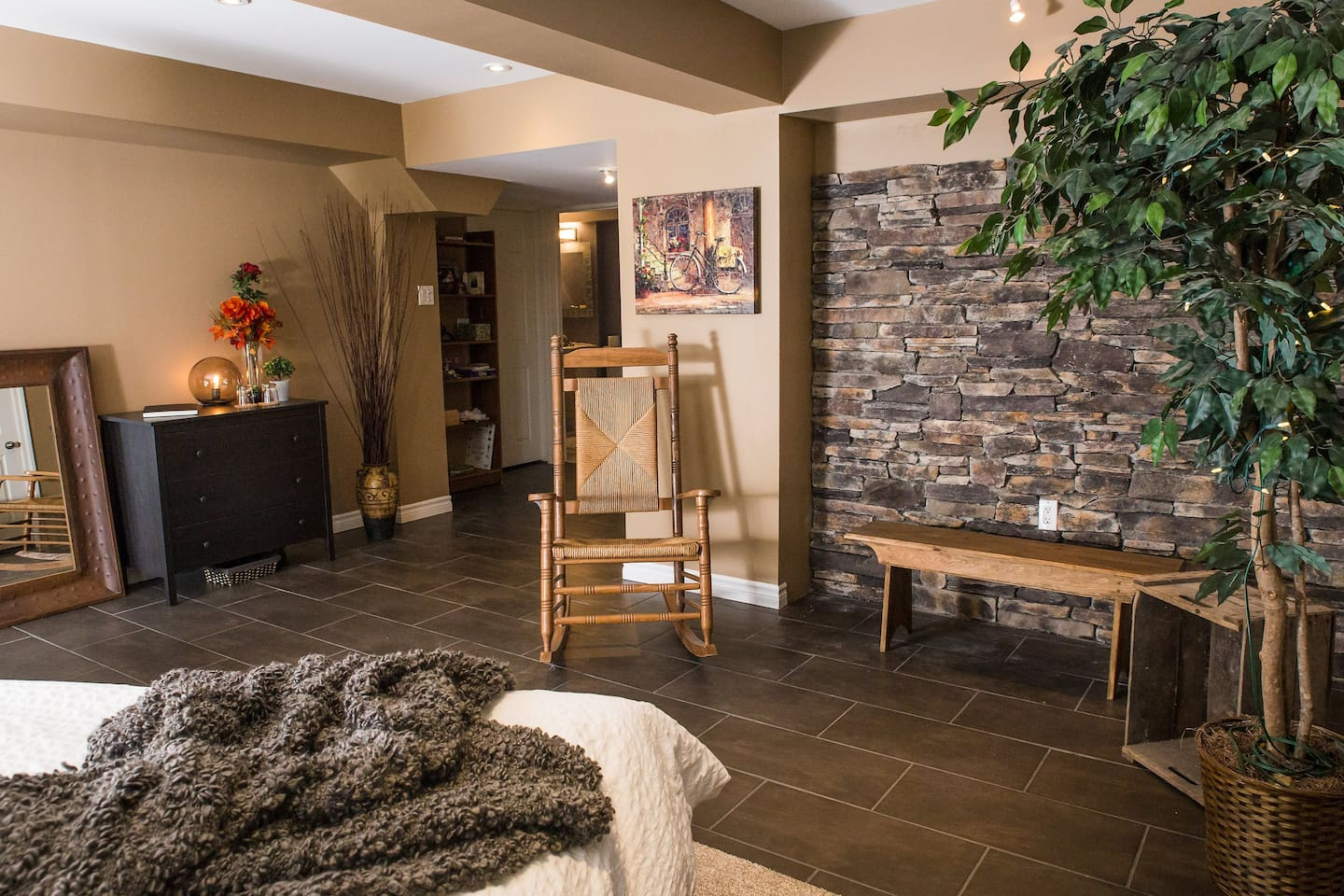 Warm, Relaxing Headwaters Retreat. Great for unwinding from a busy day.