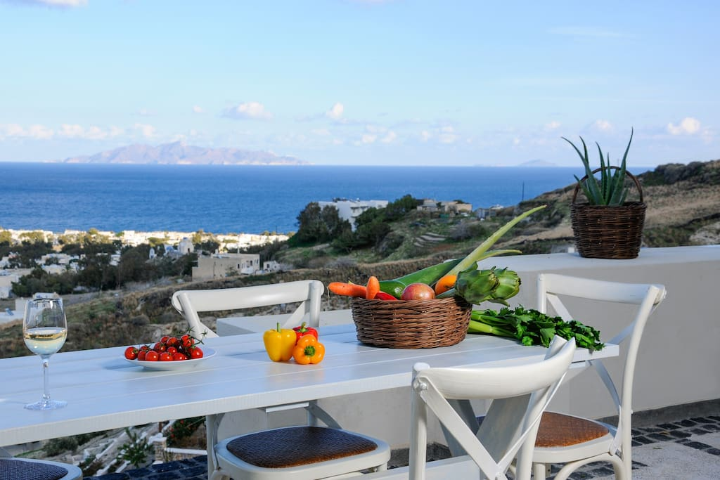 Enjoy your meals in the terrace overlooking the Aegean sea and Anafi island