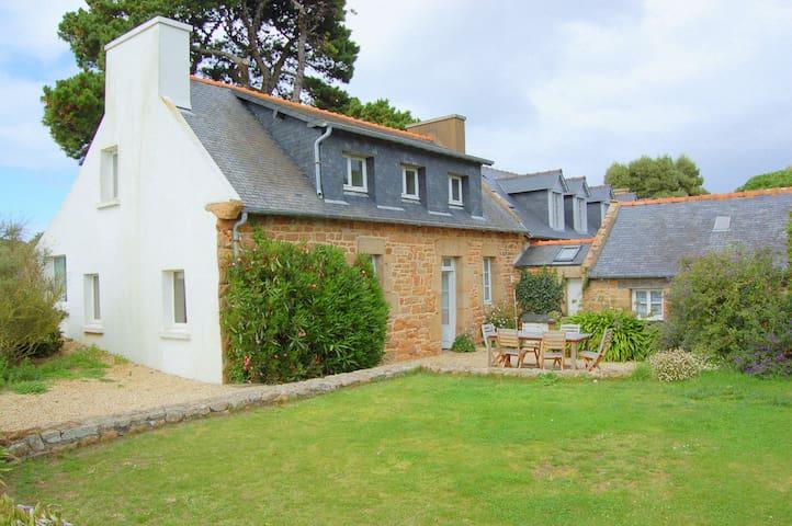 Maison de charme, 2 min. des plages - Île-de-Bréhat - House