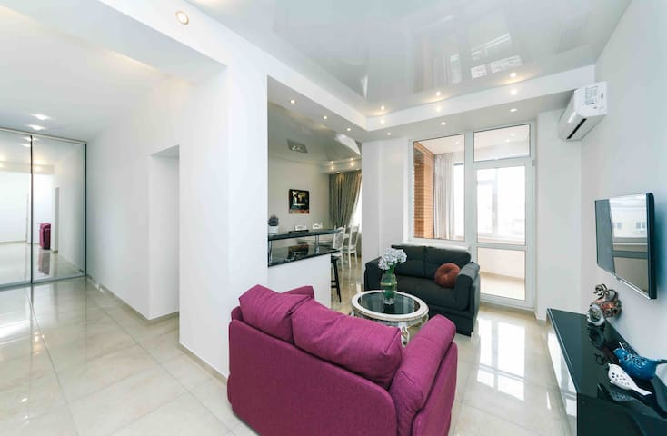 Stylish apartm on a business class house/Gulliver