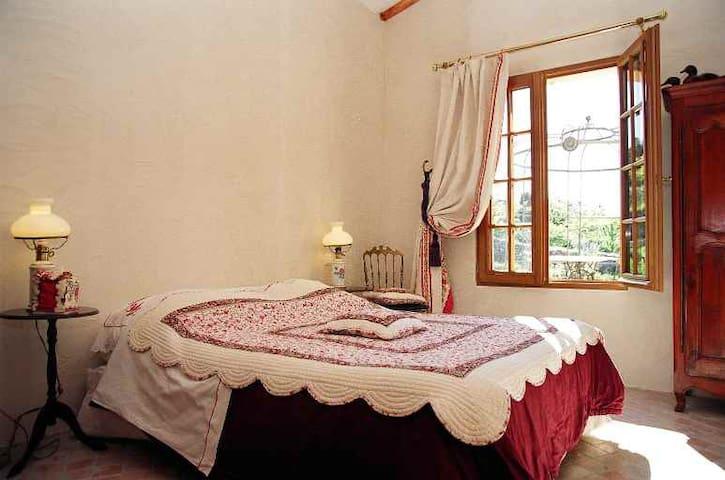 Chambres d'Hôtes dans le Haut Var - Mons - Bed & Breakfast