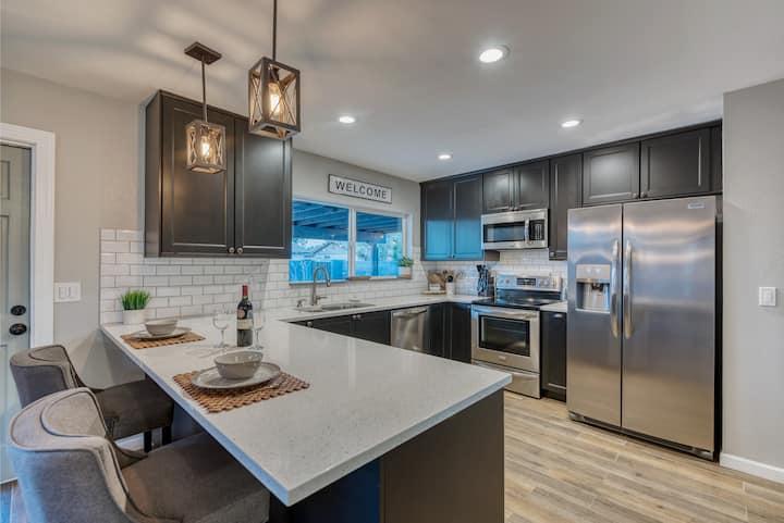 Rare & Modern Home in Tempe, AZ w/Heated Pool