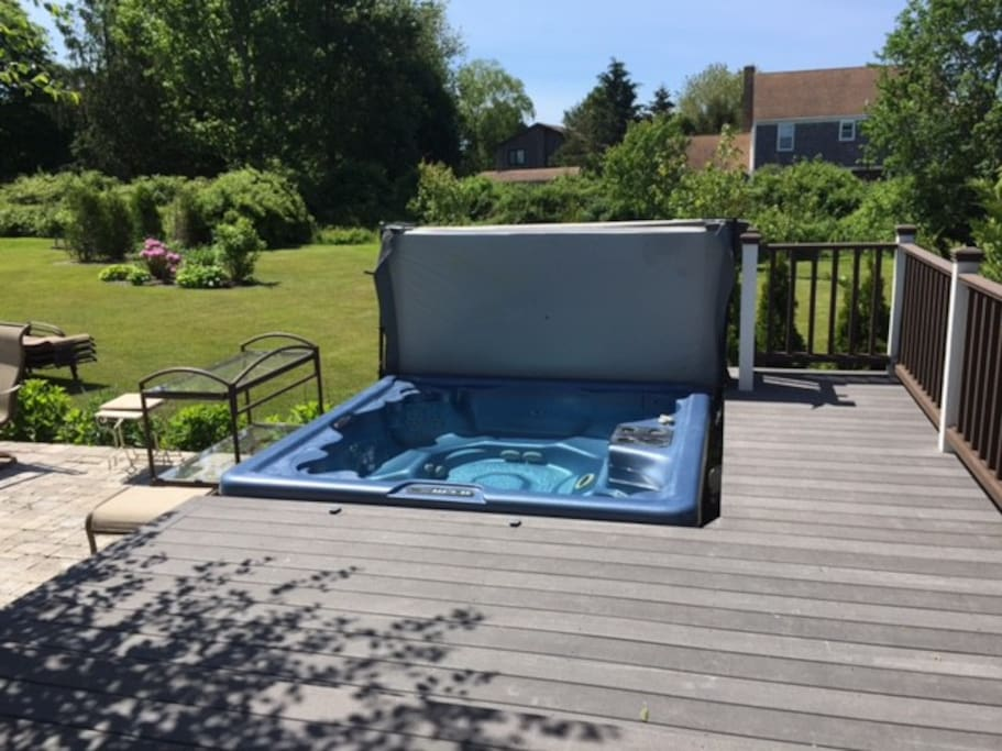 7 seater jacuzzi tub
