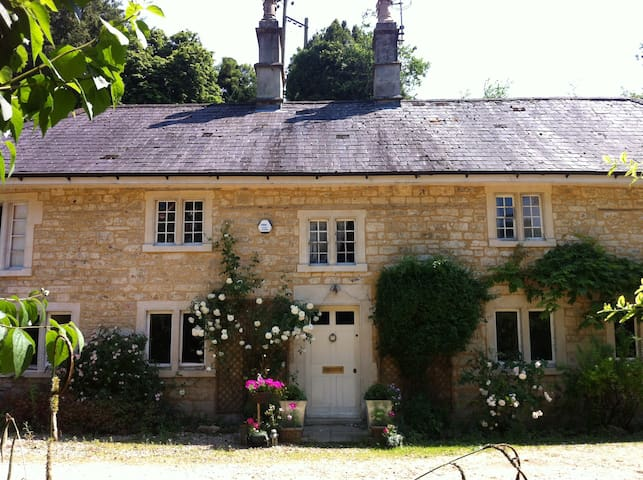 Tranquil Georgian cottage, 10 minutes into Bath - Monkton Combe - Rumah