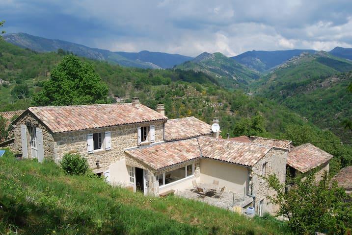 La Maison du Fau - Vals-les-Bains - Huis
