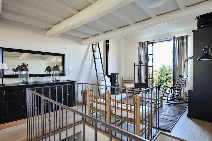 Atelier d'Artiste 87 M2/16 mezza - Alleins - Apartament