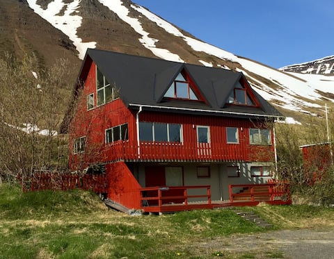 Spacious villa in the Westfjords, stunning view