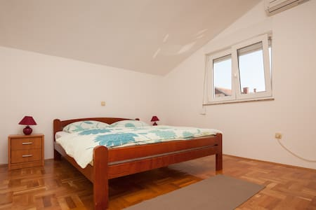 Aparment Juliette with great view - 扎达尔 - 公寓