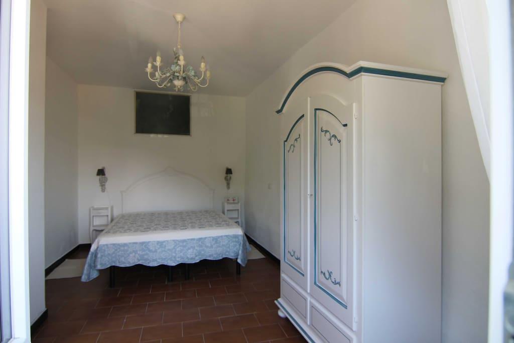 5 lands stone cottage 6 posti letto 2 bimbi case in for Piani di casa cottage quattro camere da letto