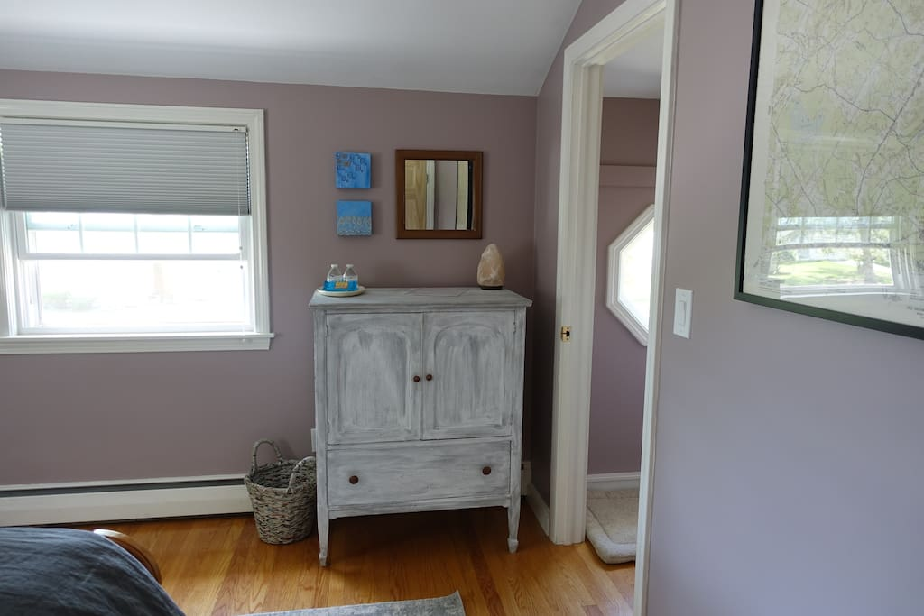 Queen Room: bureau for unpacking. Find towels & extra toiletries/items you may have forgotten in here!