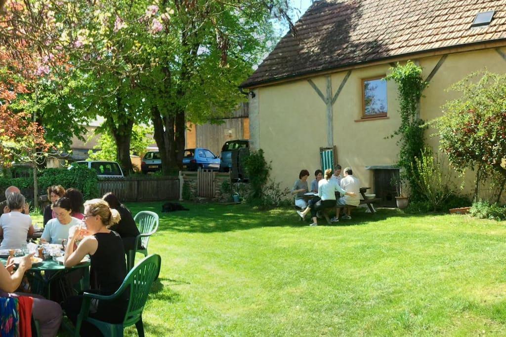 espace jardin convivial