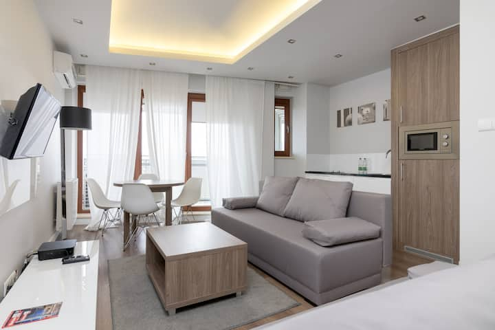 Wronia Business Bright Residence