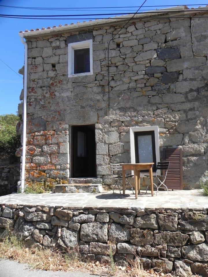 Chambre privée dans maison du XVII à Bilia