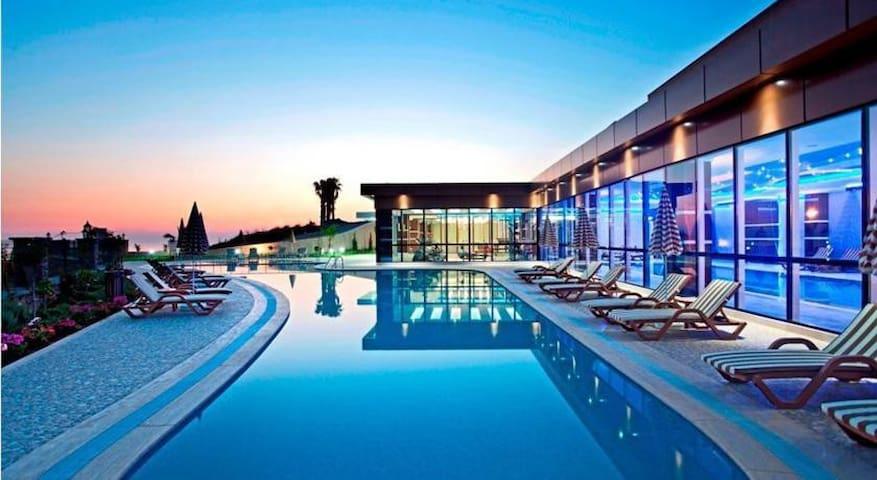 Granada Luxuri Apartman Komplexum - Kargıcak Belediyesi - Lägenhet
