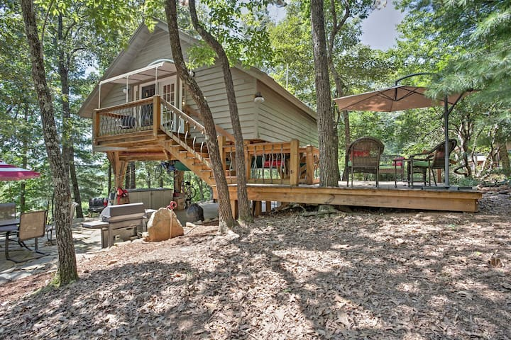 NEW! Cozy 1BR Pickens Tree House w/ Private Patio!