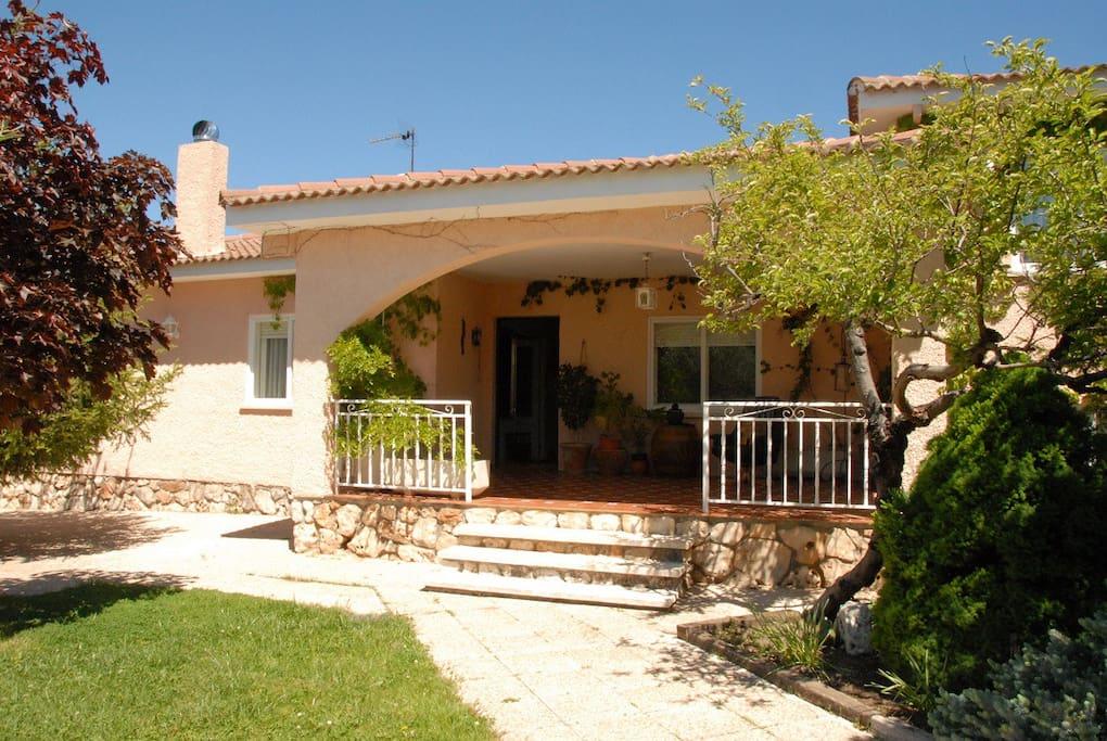 La maison de l 39 olive nuevo bazt n maisons louer - La maison de l olive nice ...