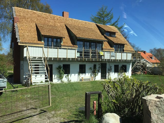 charmerende hus i fantastisk natur - Grenå - Dům