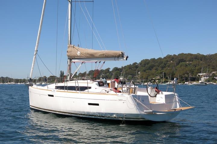 Jeanneau yacht 389 for charter in Aegean Sea