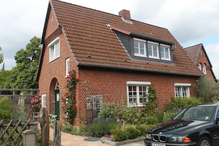 exkl. Apartment in Alt- Laatzen - House