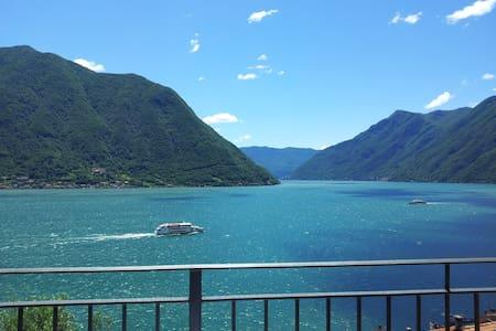 Appartamento con meravigliosa vista lago