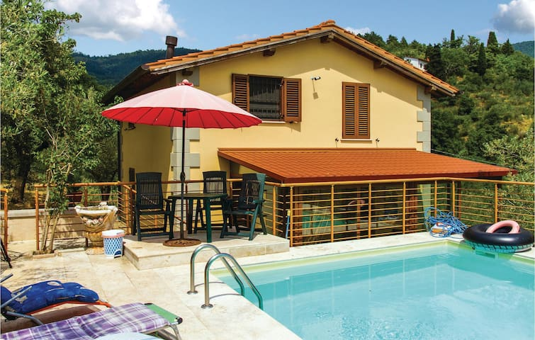 Holiday cottage with 2 bedrooms on 115m² in Arezzo AR