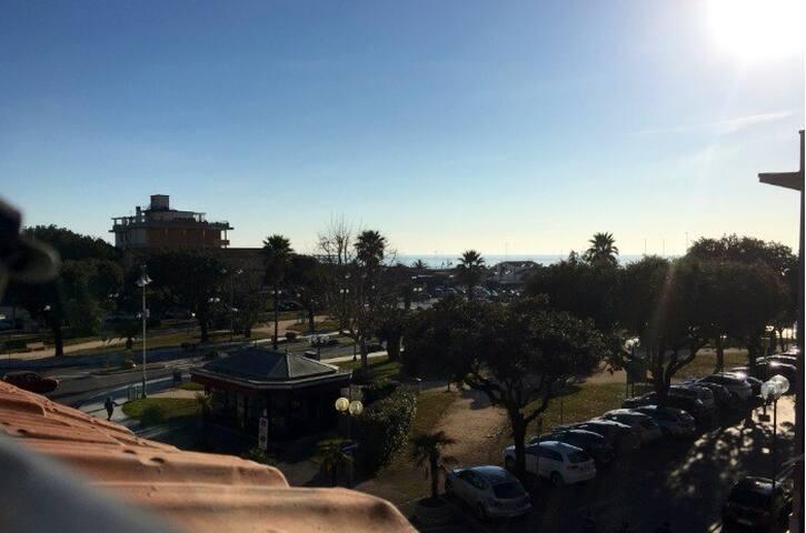 Appartament  in Villa Liberty. 100m from the Sea - Pietrasanta - Departamento