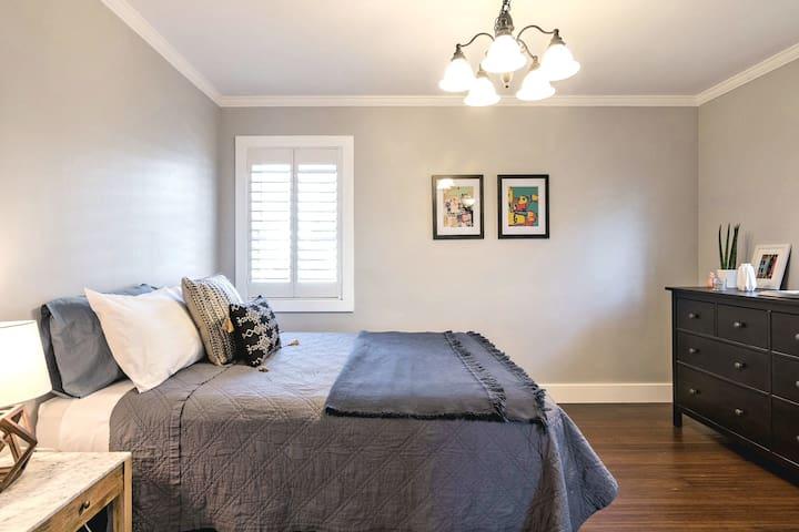 Bedroom 1- Tuft and Needle Queen bed