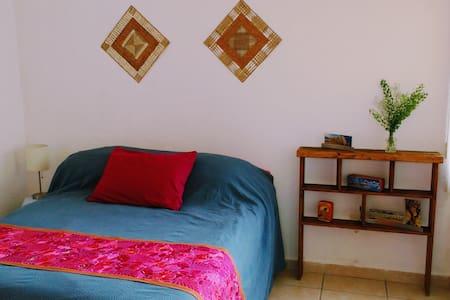 Linda casa a 5 minutos de los arcos de Querétaro - Santiago de Querétaro