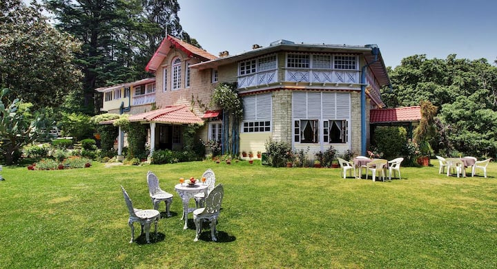 Comfortable Stay with Grandeur in Ranikhet