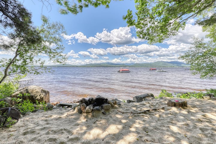 Lakefront home w/ views, water access for boating/swimming & more