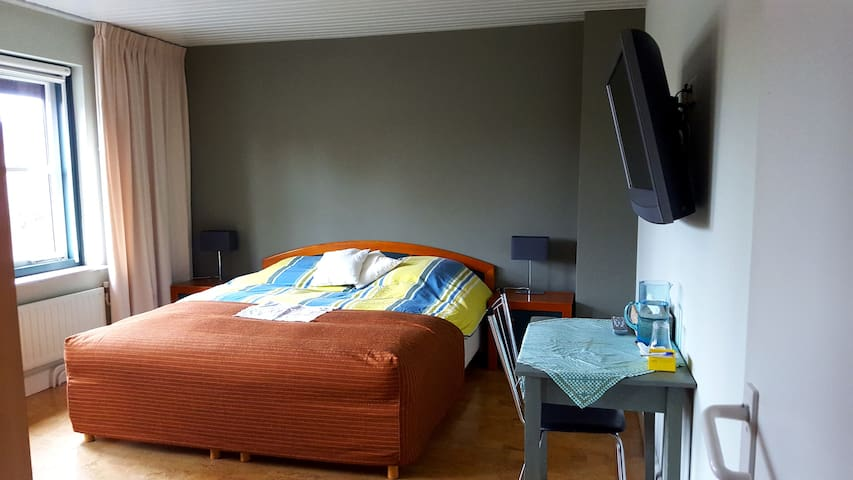 Room close to Eindhoven airport - Vessem - Bed & Breakfast