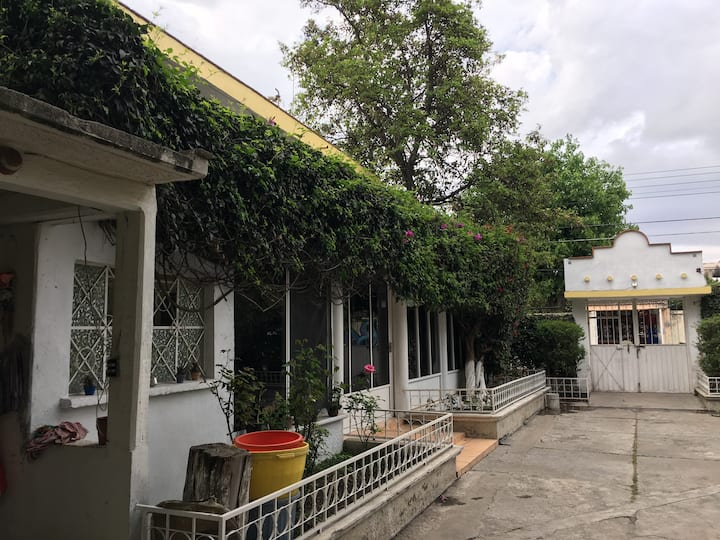 Habitaciones en amplia casa Luna Sanchez