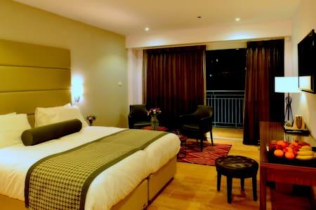Astoria Galilee New Boutique Rooms - Tiberias - Bed & Breakfast