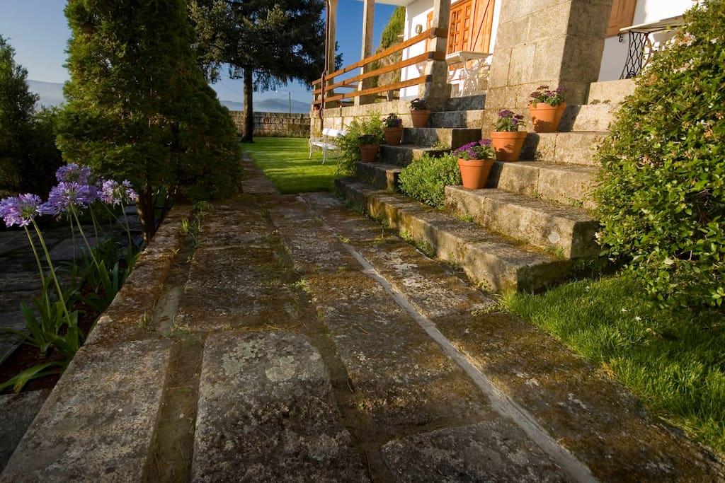Escaleras jardín