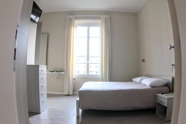 Stanza in Empoli con Bagno Privato e Cucina - N.2