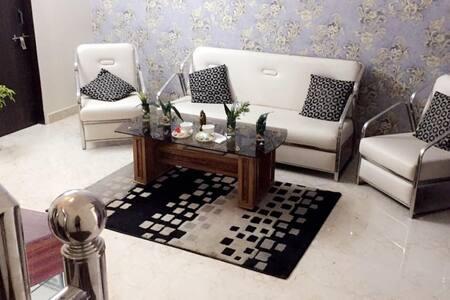 Mytrust Luxury Villa - Patrakar Colony, Mansarover